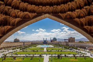 Naqsh-e-Jahan-Square-translated-Image-of-the-World-Square-300x200
