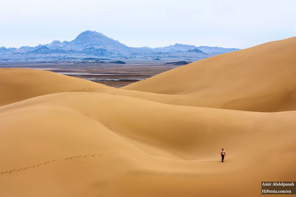 maranjab desert in Kashan- safari rides in hot sands-iran desert tour