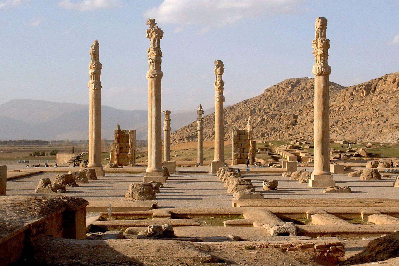 travelartin.com-2-500-years-old-ruins-of-persepolis-in-iran-UNESCO SITES