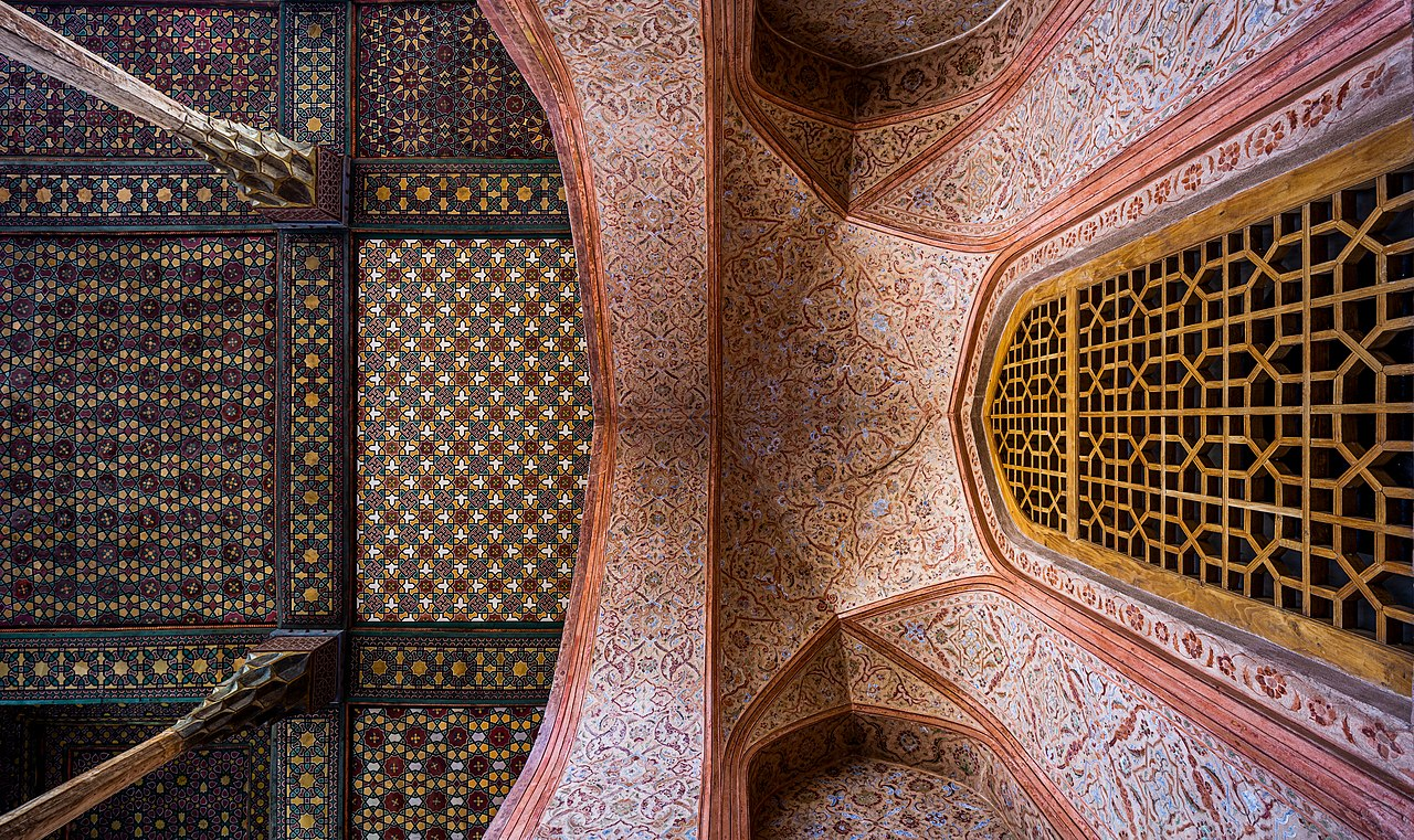 www.travelartin.com- Isfahan tour -Aliqapu palace- world unesco site-cultural
