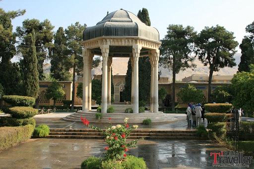 Artin-Trvavel-Shiraz-Hafez-tomb-150x150