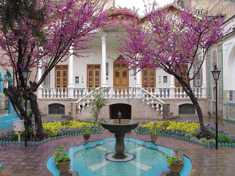 Moghaddam museum house- tehran travel guide