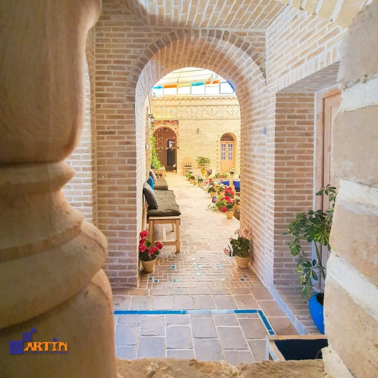 traditional hotel in Iran travel guide