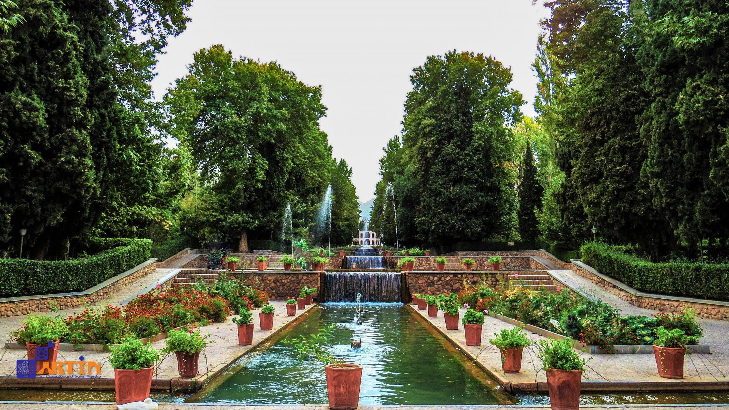 Shazdeh Mahan persian garden kerman travel guide