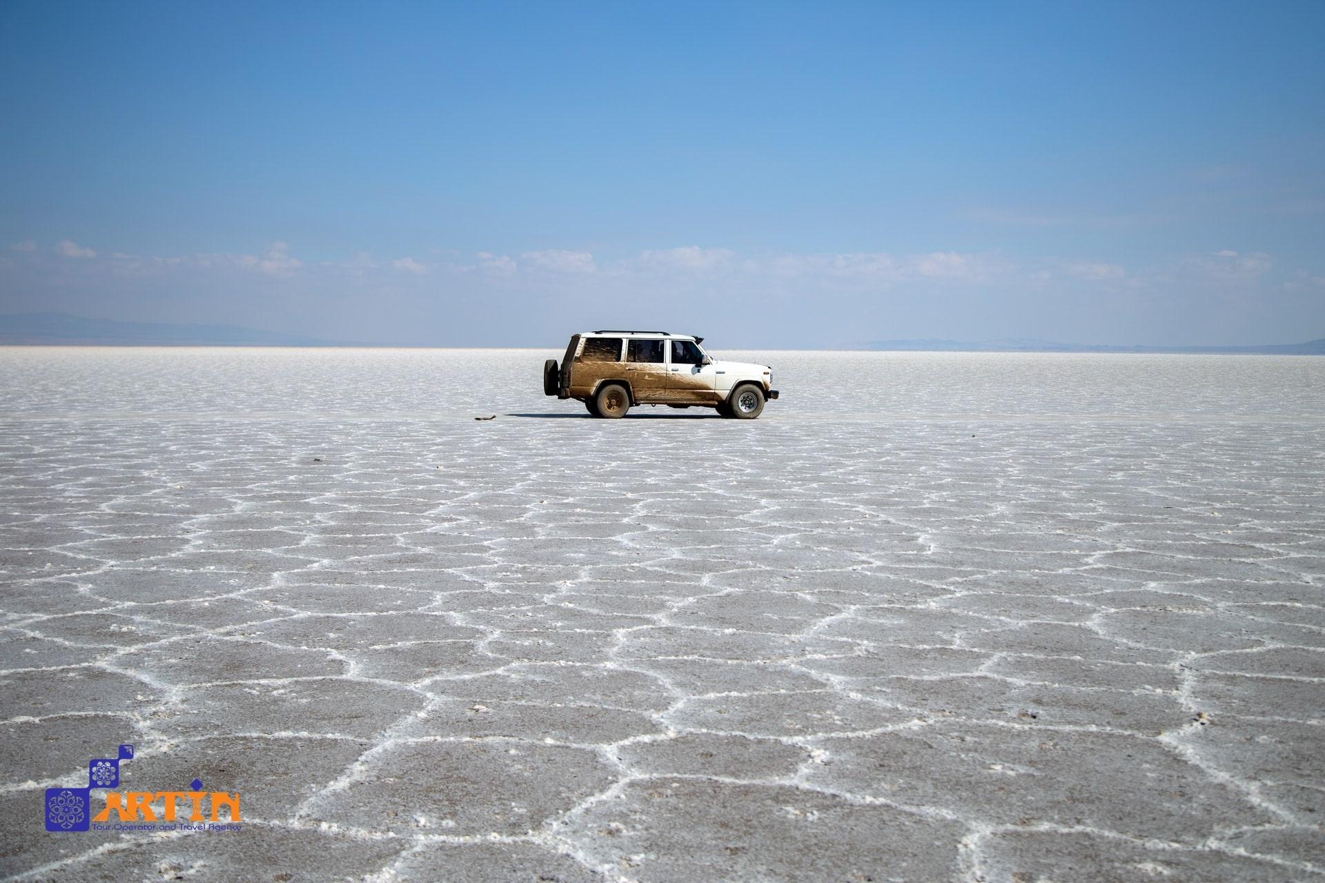 The wandering island in Maranjab desert