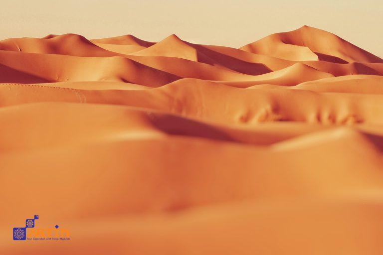 Halvan desert in Iran travelartin.com