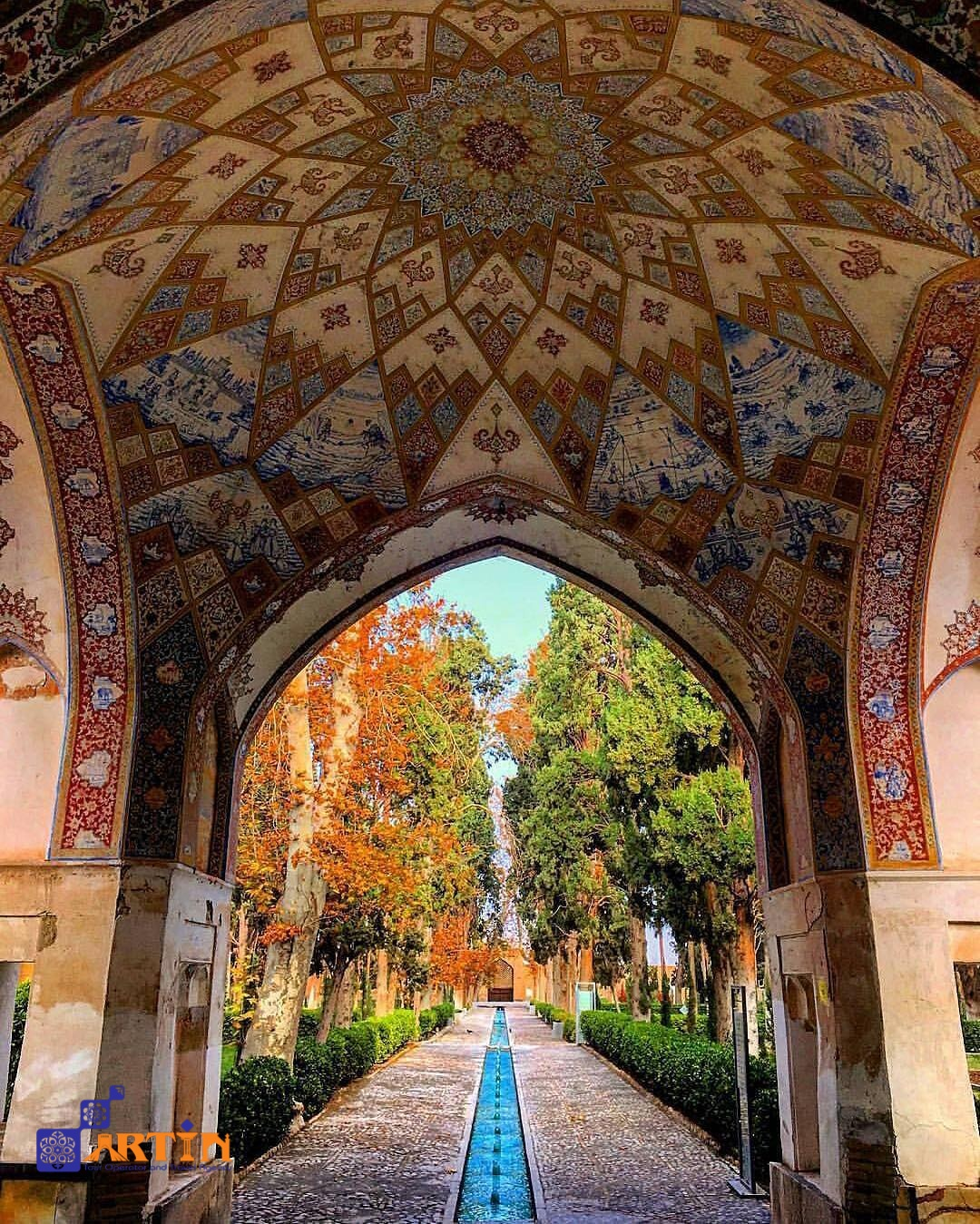 Fin garden kashan travel to Iran travelartin.com