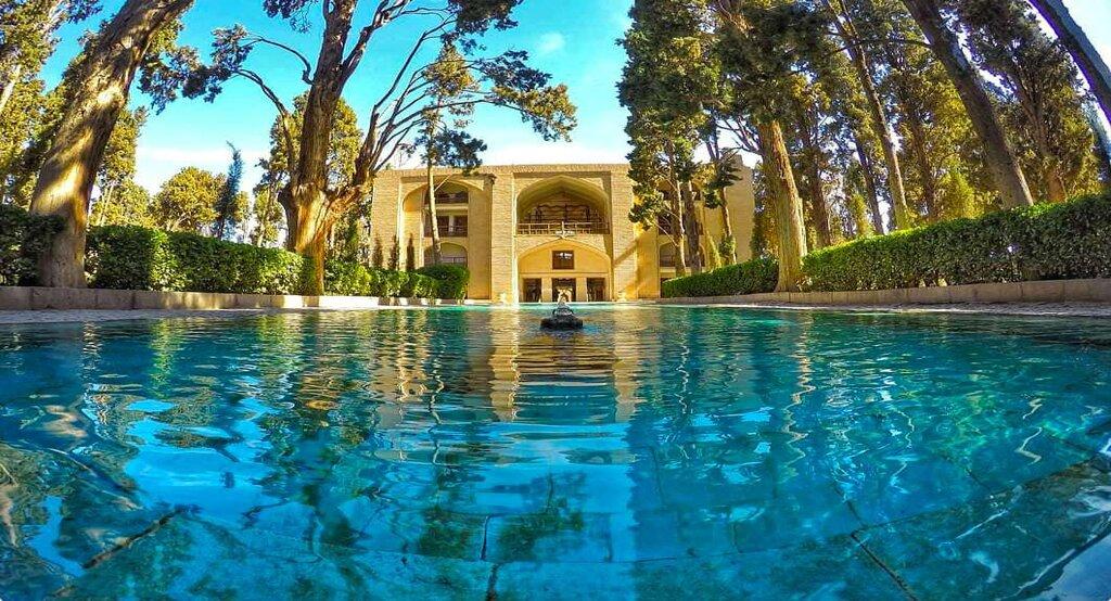 Fin Persian garden in Iran tourist attractions travelartin.com