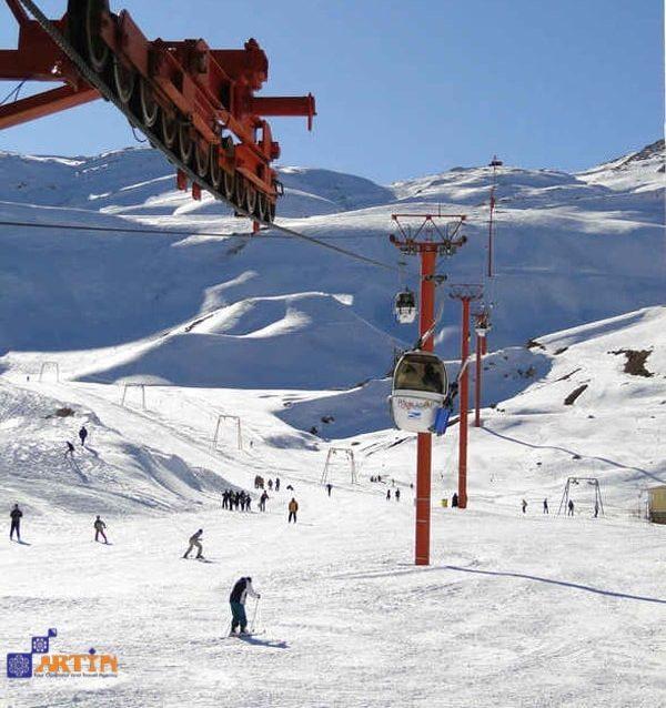 Iran skiing tour Pooladkaf resort travelartin.com
